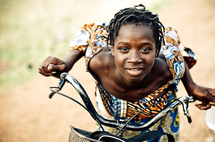 La fille a velo – Burkina Faso